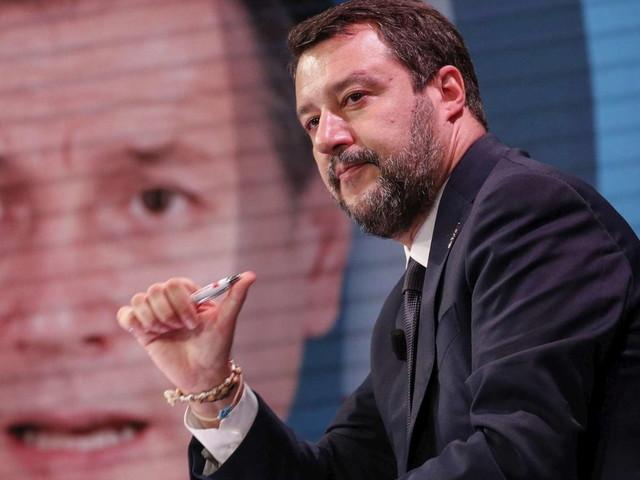 Nuovo Dpcm, Salvini: Conte non può decidere quando arriva Babbo Natale
