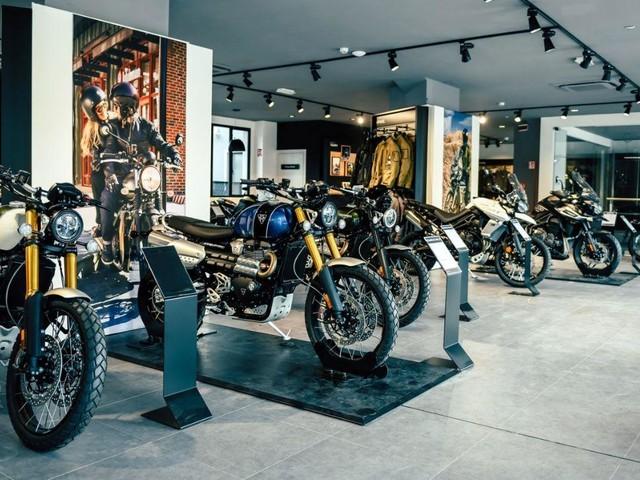 Triumph apre a Milano il nuovo Flagship Store