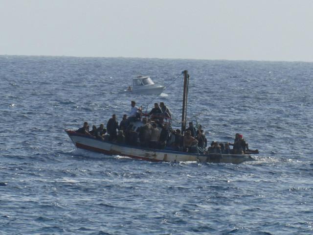 Migranti, sette sbarchi a Lampedusa: arrivate 287 persone