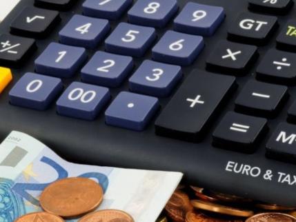 Tasse, gli italiani soffocati dalla pressione fiscale