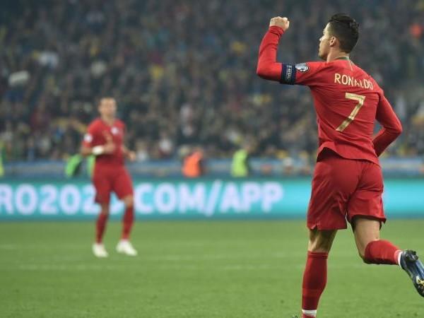 CR7 diventa CR700: Ronaldo da record, segna il suo 700° gol