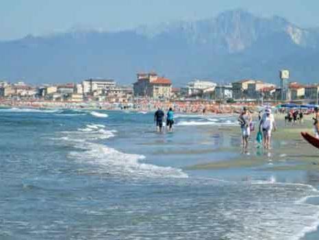 Il monitoraggio delle acque di balneazione nel 2020 in Toscana