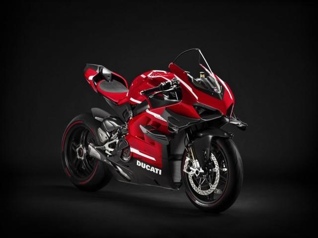 Ducati Superleggera V4: di nuovo in azione per verifiche dedicate al pacchetto Ducati Performance