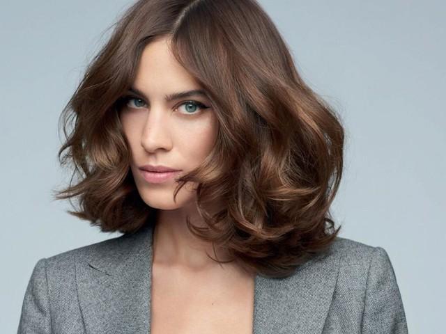 Moda capelli nell'autunno-inverno: il colore caramello e lo shaggy bob