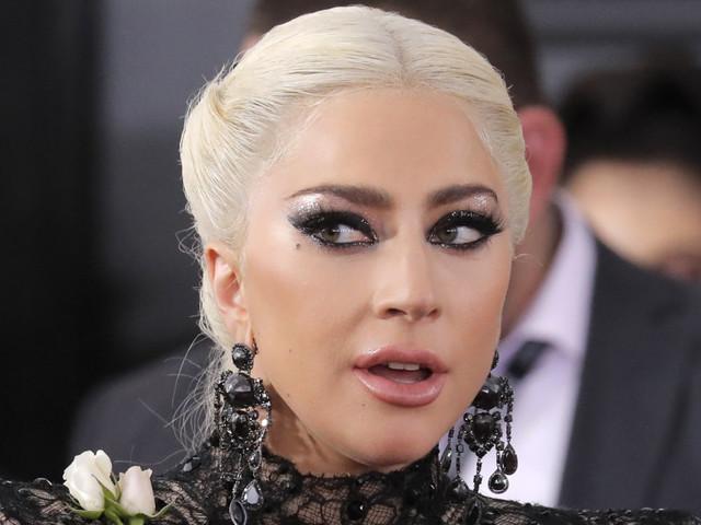 """Lady Gaga annulla 10 concerti: """"Sono devastata dal dolore"""""""
