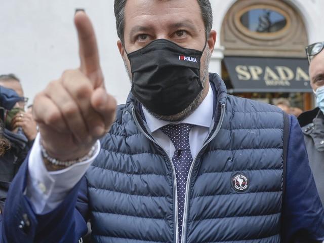 """Salvini smaschera così Conte: """"Una telefonata di un minuto..."""""""