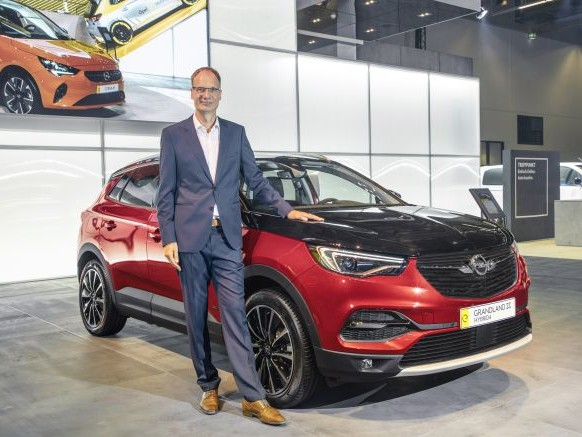 Salone di Francoforte 2019: Opel Grandland X ibrida plug-in da 300 Cv