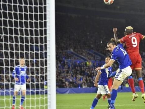 Il Napoli ringrazia Osimhen, disastro Strakosha per la Lazio. Roma, ma quanto è forte Pellegrini?