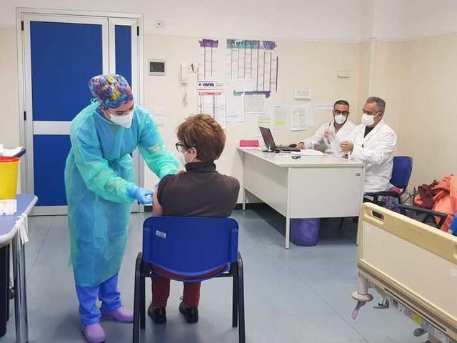 >ANSA-IL-PUNTO/COVID: Sardegna, netto calo dei contagi (61)