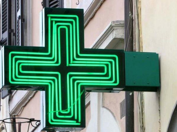 Vaccini in farmacia al via in Umbria, Regione approva accordo: coinvolte in 120