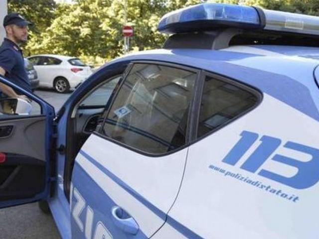 Roma, muore precipitando in giardino dal terrazzo di casa: sequestrata l'auto dell'amico