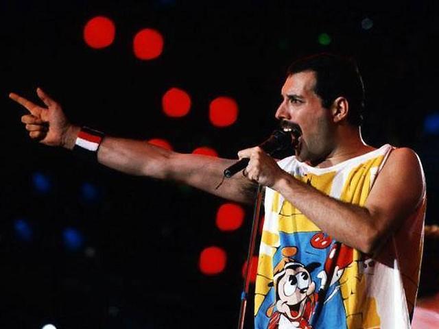 """Queen al Live Aid, la rivelazione di Roger Taylor/ """"We are the champions fu..."""""""