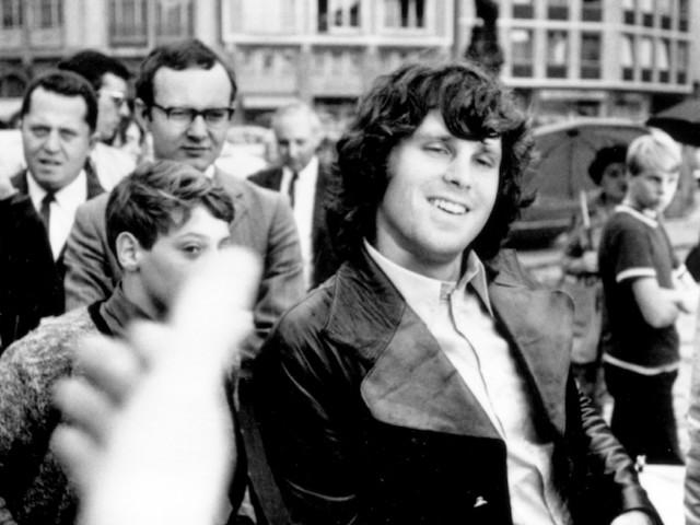 Jim Morrison in 10 scatti
