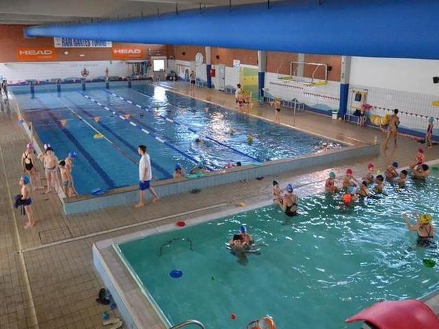 Una staffetta di nuoto lunga 12 ore per festeggiare i 120 anni della Rari Nantes