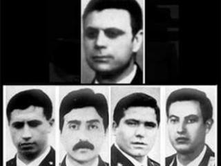 Svastiche sulla lapide commemorativa della scorta di Aldo Moro I familiari delle vittime di via Fani: vergogna