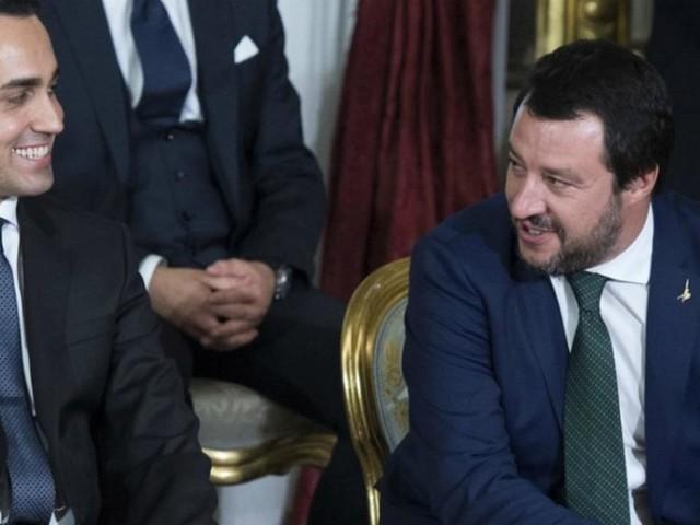 Diciotti, voto online e giunta per l'Immunità: vince il no al processo per Salvini