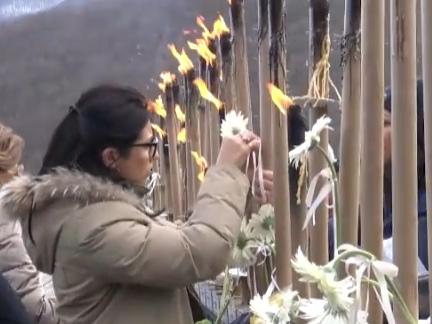 Rigopiano, lo strazio della madre di Stefano Feniello: cosa me ne faccio dei fiori ora che mio figlio è morto?