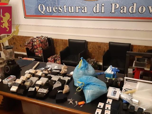 In manette spacciatore fermato in via Turazza a Padova: a casa aveva 30 chili di eroina
