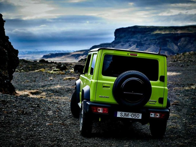 Suzuki Jimny sold out: in Italia ordini bloccati nel 2020