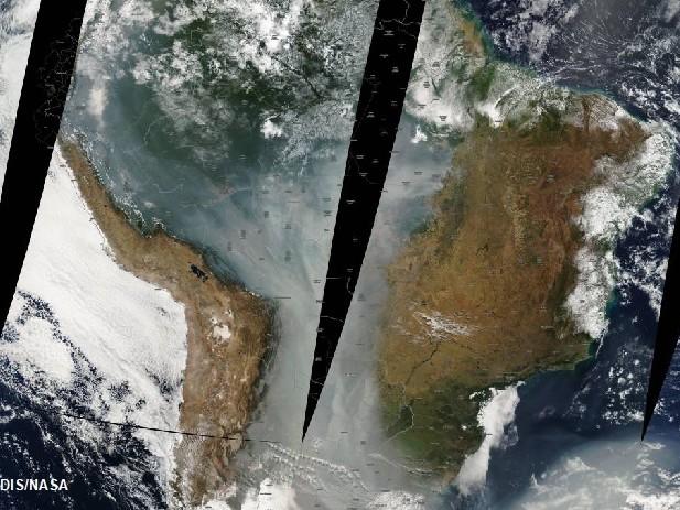 Gli incendi in Amazzonia intensificano lo scioglimento dei ghiacciai delle Ande