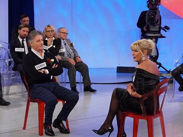 Uomini e Donne, Gemma Galgani gelosa dei baci tra Tina Cipollari e Giorgio Manetti [VIDEO]