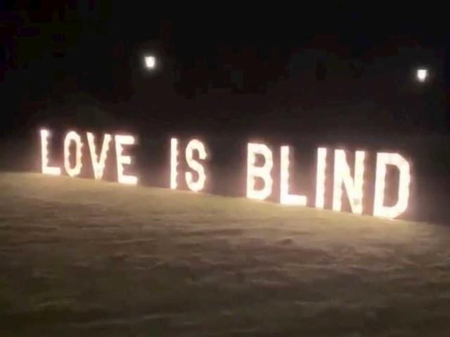 VIDEO / Festa scatenata per le nozze di Blind, la compagna di de Vrij riprende tutto