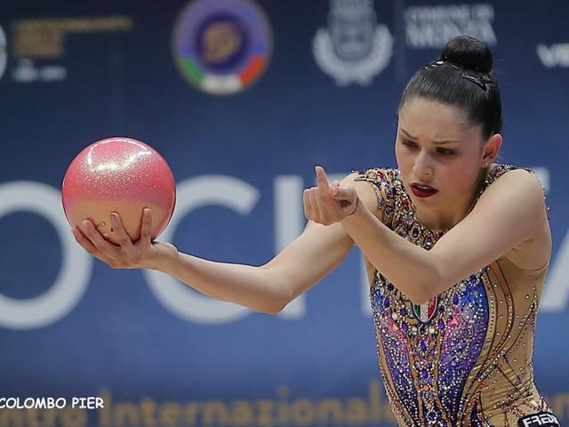 LIVE Ginnastica ritmica, Mondiali 2019 in DIRETTA: Agiurgiuculese e Baldassarri a caccia della medaglia tra nastro e clavette