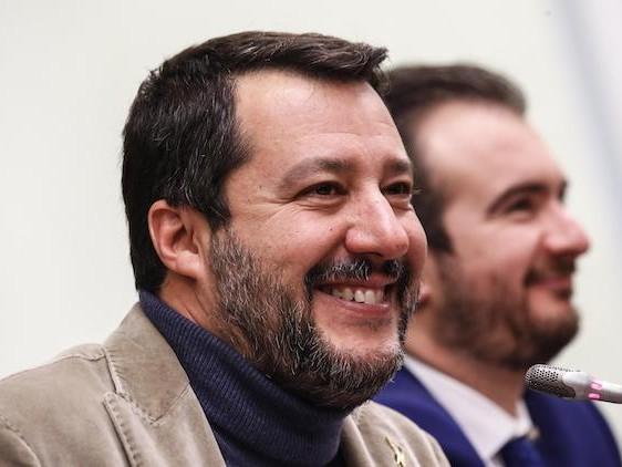 Salvini è grato alle sardine perché «danno valore e importanza a ogni mia presenza»
