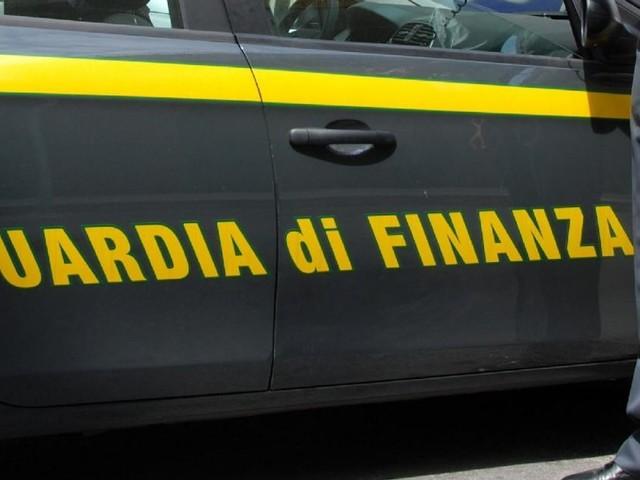 Guardia di Finanza: pubblicato il bando per il reclutamento di 10 tenenti, come partecipare