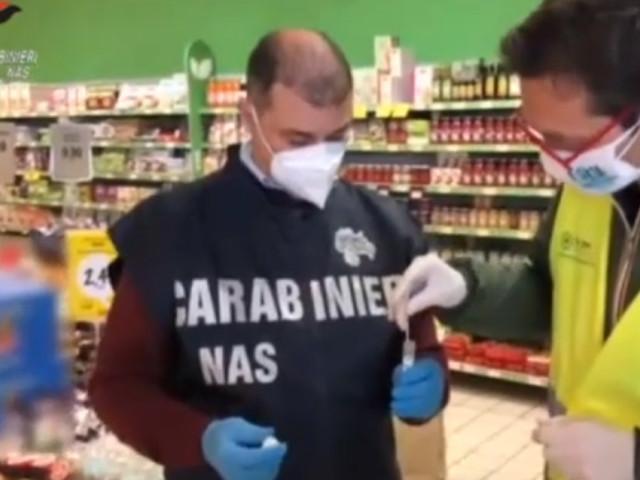 Sanificazione nei supermercati: Nas, tracce del Covid su Pos e carrelli