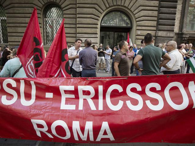 Ericsson, i lavoratori protestano a Roma