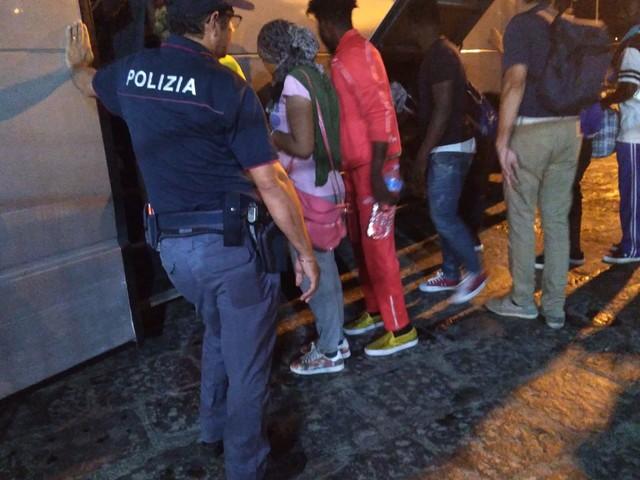 Arrivata a Porto Empedocle una parte dei migranti della Open Arms