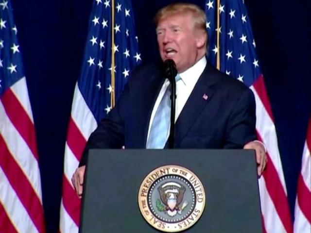 Trump: 'Per l'America è ora di riaprire, sotto il lockdown di Biden Natale cancellato'