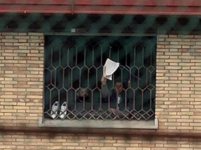 """Coronavirus, proteste a Rebibbia. Nuovo appello dei Garanti dei detenuti: """"Ridurre il sovraffollamento"""""""