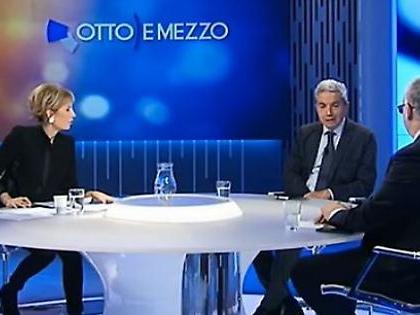 """Lilli Gruber a Otto e mezzo fuori controllo: """"Chi è più str***... carogna, Di Maio o Renzi?"""""""
