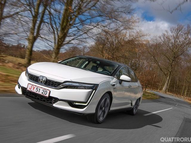 Honda Clarity Fuel Cell - Al volante della berlina a idrogeno