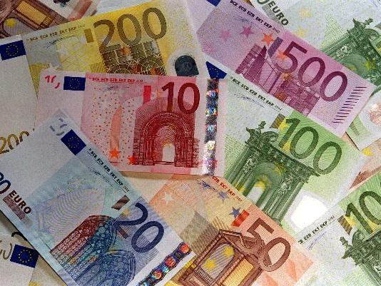Martina Franca: il 53enne eredita ma la banca non vuole dargli i soldi L'uomo è arrivato l'altro ieri nella filiale del Credito emiliano con l'ufficiale giudiziario. In ballo, valori per 211mila euro