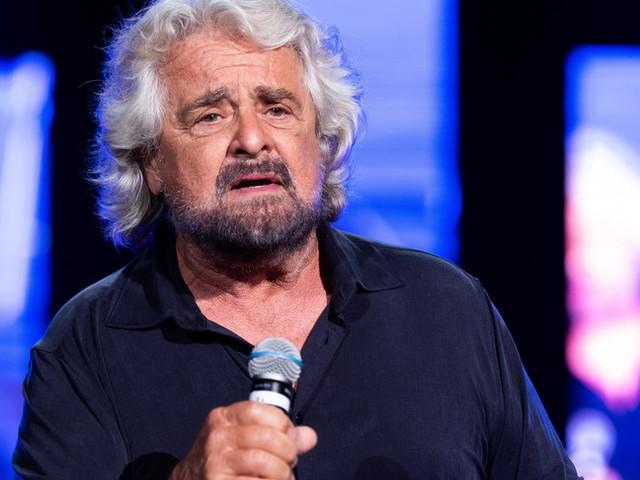 """Grillo arringa il Movimento: """"Vi amo, fate miracoli"""""""