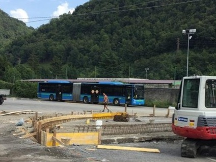 Gazzaniga, a un anno dalla tragedia si ridisegna la stazione dove morì Luigi