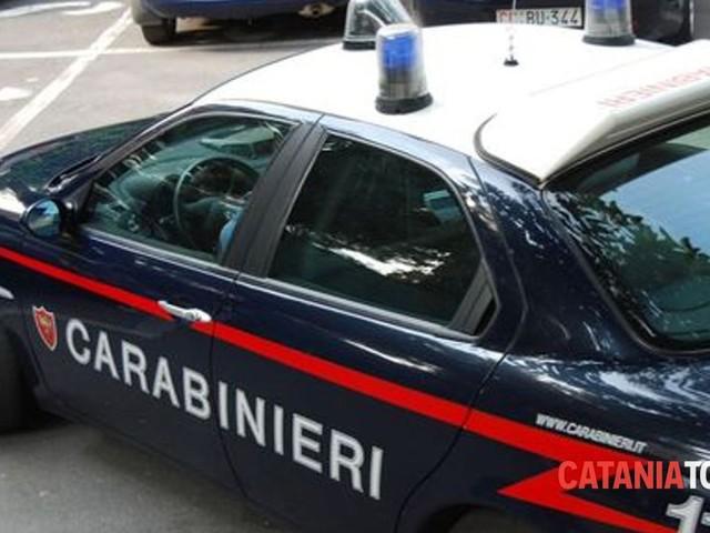 Evade dai domiciliari, i carabinieri lo aspettano a casa