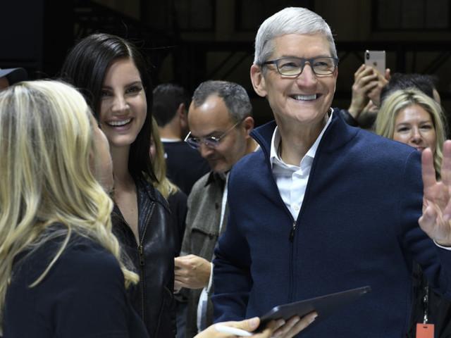 Apple, poche ore e si alza il velo sui nuovi iPhone 13