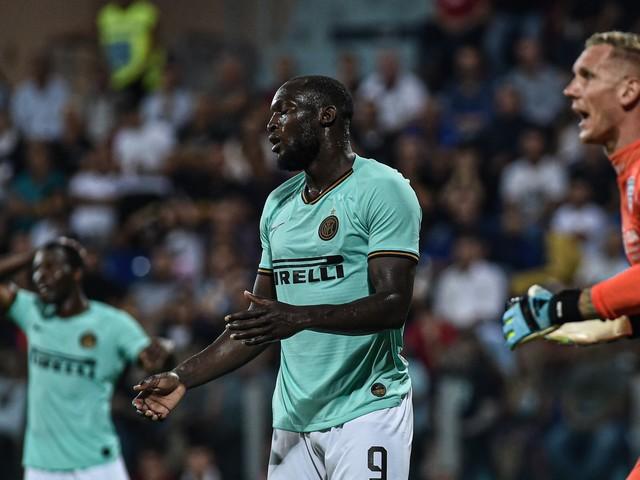 """Lukaku e i cori razzisti, il Cagliari prende le distanze: """"Solidarietà al giocatore"""""""