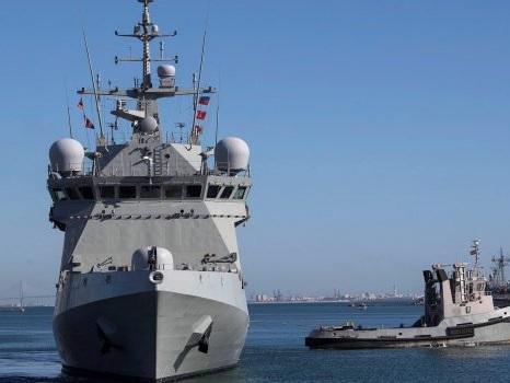 Open Arms, la nave spagnola rimane ferma davanti a Lampedusa