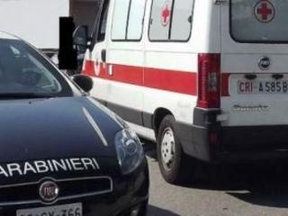 Sbanda con la moto e finisce contro un albero Giovane muore in un incidente nel centro di Cosenza