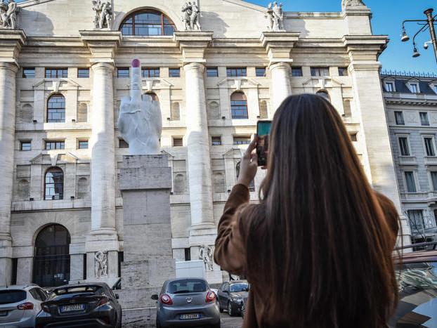 Borsa: Milano svetta in Europa, chiude in rialzo dell'1,4%