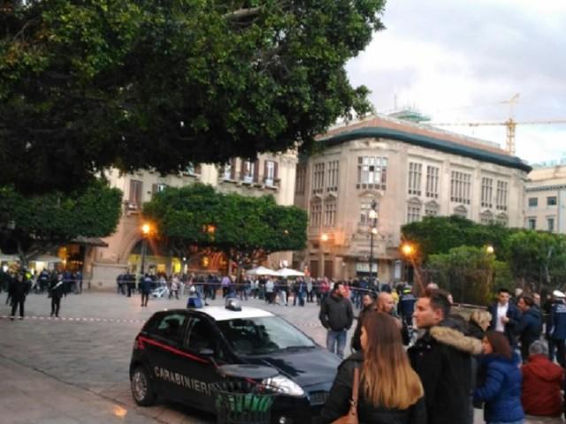 Allarme bomba al Teatro Massimo, borsone abbandonato fatto brillare dagli artificieri