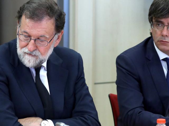 """Rajoy a muso duro: """"Il referendum non si farà"""". La Catalogna denuncia Madrid di """"assedio"""""""