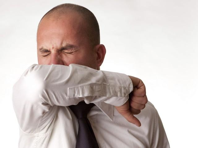 Come starnutire e tossire per evitare la diffusione del Coronavirus
