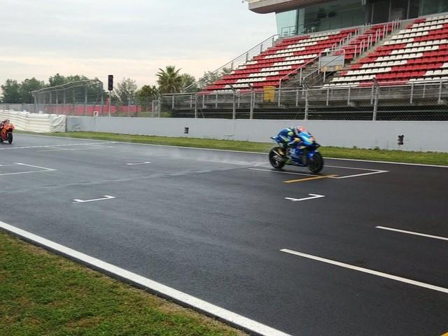 MotoGP, test Barcellona: tutto rinviato a domani causa pioggia