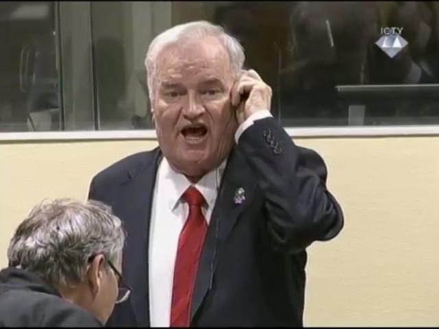 La storia la scrivono i vincitori ma state tranquilli: posto libero accanto a Mladic ne resta parecchio